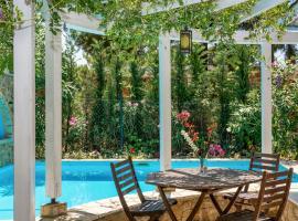 Elia Villa Sleeps 4 Pool Air Con WiFi T720391, Elia