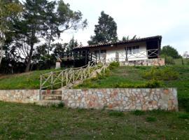 CABAÑA RÚSTICA - HOSPEDAJE, La Granja