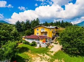 Secluded Traditional Villa With Mountain Views, Welingrad