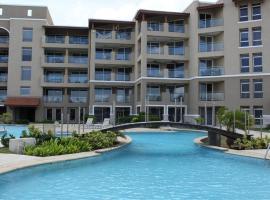 Oasis Luxury Condominiums, Palm Beach