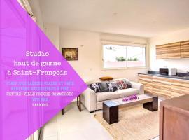 Studio Angles des rues Republique et françois Margaillon, Saint-François