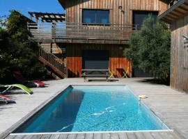 Belle villa avec piscine chauffée, 4 chambres, et jardin, La Teste-de-Buch