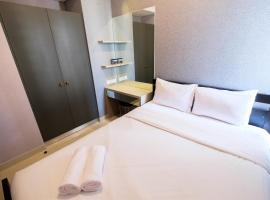 Luxury 1BR Apartment Taman Anggrek Residence By Travelio, Giacarta