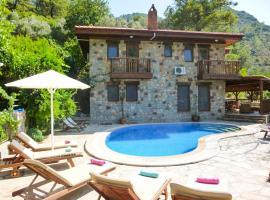 Orhaniye Villa Sleeps 8 Pool Air Con WiFi, Orhaniye