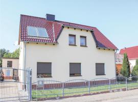Three-Bedroom Apartment in Senftenberg OT Hosena