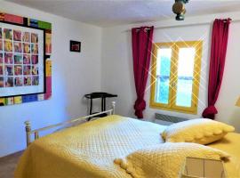 rhône · gîte en Camargue 90 m2 avec le Rhône en vis à vis, Saint-Gilles