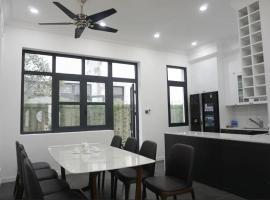 LAVISTA'S HOME[2] - Luminous room in Amazing Villa, Hajfong