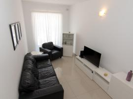 NEW: Cosy 2 Bedroom (up from St.George's Bay), Is-Swieqi
