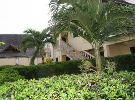 Coconut Beach Studio Apartment, Ukunda