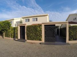 Cité de 13 Villas à louer à BAGUIDA -Lomé, Lomé