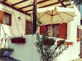 Summer house at Trikorfo complex, Gerakini