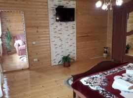 Готель в Уляни, Mykulychyn