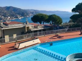 """Residence """"Delfino"""" con Piscina e Campo da Tennis, Rapallo"""