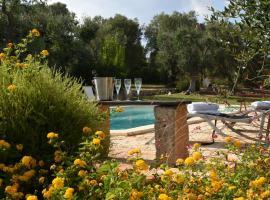 Trulli li Serre, Luxury Villa with Private Pool, Ostuni