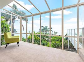 Cliff House, Unbeatable SEAVIEW, SUNRISE on Bed, Auckland