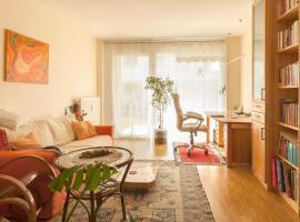 2 Zimmer Designer-Wohnung im Vauban, hochwertig, Biomöbel