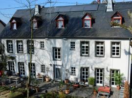 Stiftsherrenhaus