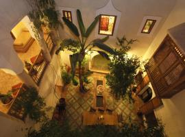 Riad El Youssoufi, Marrakech