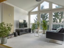 ID 5703 | Private Apartment