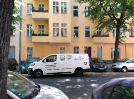Charlottenburg Kosti Apartment