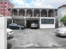 Par May La's, Port-of-Spain
