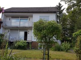 Haus mit Bienwaldblick