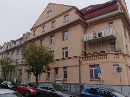 Citynahe Dachgeschosswohnung für Preisbewusste in Schwerin