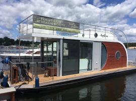 festliegendes Hausboot Ferienwohnung Nautino maxi