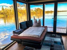 Houseboat villa.nautica