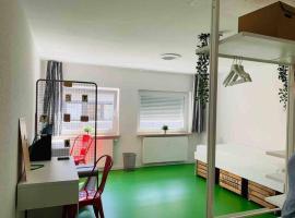 Designer Hostel (1D)