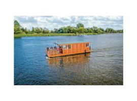 Amazing ship/boat in Havelsee OT Kützkow w/ 2 Bedrooms