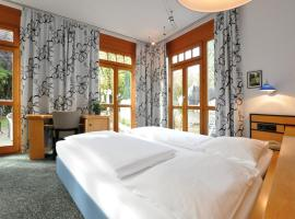 Villa Waldperlach by Blattl