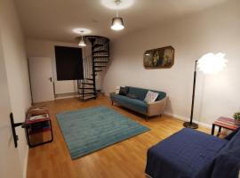 Schöne frisch renovierte Wohnung mit viel Platz!