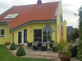 Moderne großzügige Villa 246 qm 8,5 Zimmer, offener Kamin bis zu 13 Schlafplätze