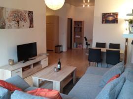 Tante Emma-Apartment, Wohngefühl wie Zuhause plus Vorteile eines Hotels, PB-Zentrum, 600m zum Hbf