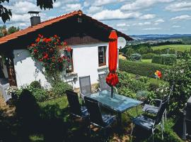 Vibrant Holiday Home near Private Garden in Oehrenstock