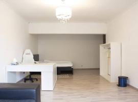 Zentrale Lage, Modernes Helles Wohnung mit Balkon