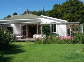 The Innlet, Country Apartments, Cottages and Farmhouse Villa Hostel, Collingwood