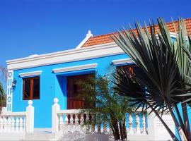 Blue Cunucu Villa With Pool, Noord