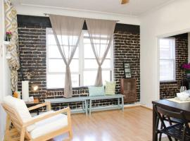 Cozy Apartment With View On Sunset Junction,