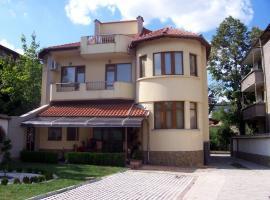 Fenerite Family Hotel, Targovishte