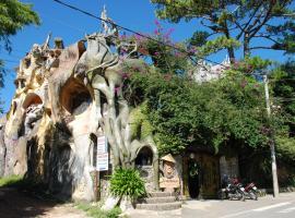 Crazy House, Dalat