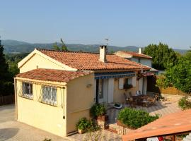 "Bed And Breakfast ""Les Cigales"", Salernes"