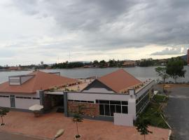 Kampongbay Makeng Guesthouse, Kampot