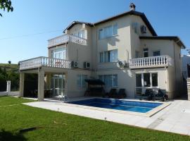 Villa Lucia, Balchik