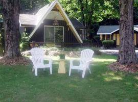 Amber Lantern Two-Bedroom Cottage, Лейк-Джордж