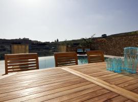 Villa Boomerang, Għasri