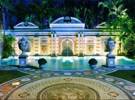 The Villa Casa Casuarina,