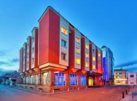 Hotel Palas, Kazanlŭk