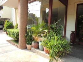 La belle villa, Phnom Penh
